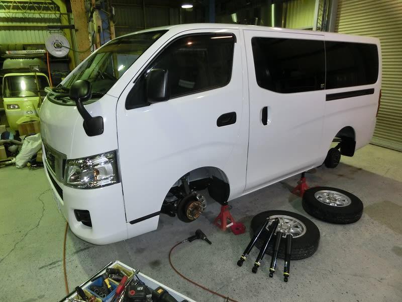■キャラバン NV350 ・ レクサスHS250h ・ バモスホビオ &代理店ブログ紹介!