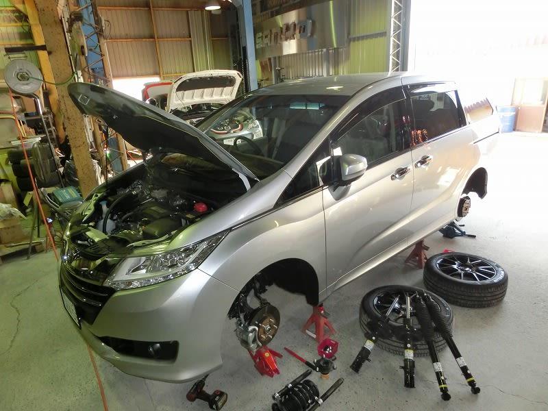 ■新型オデッセイ & 新型HIACE 4WD
