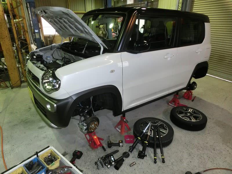 ■ハスラーにSTD施工 ・ ボルボV40用リヤ複筒式ショック