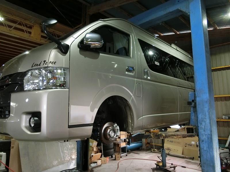 ■HIACE4型キャンパー ・ TTサンバートラック ・ BSアウトバック ・ EUシビック